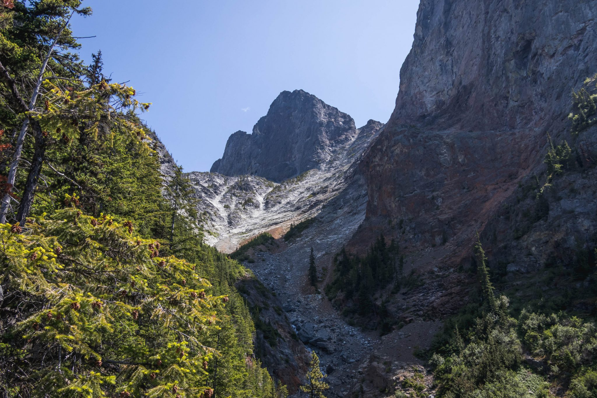 Hozomeen Mountain South Peak / 霍佐民山南峯