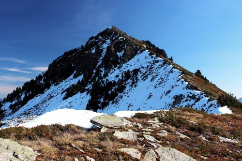 Read more about the article Townsend Mountain by Merchant Peak / 靠莫森特峯的湯森山