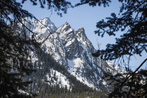 Mountaineer Ridge by Mount Stuart in The Enchantments / 登山者脊