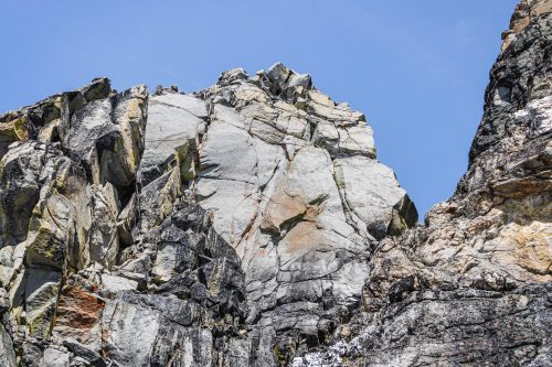 Read more about the article Edward Peak by Three Musketeers Ridge in The Enchantments / 愛德華峯