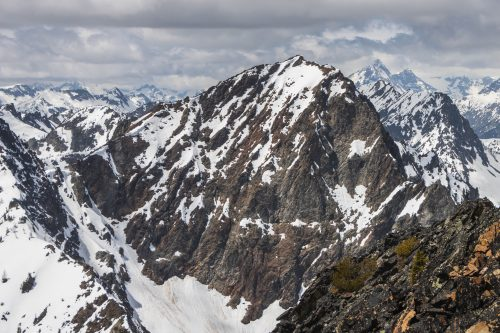 Read more about the article Mother Lode Peak + Crescent Mountain in Lake Chelan-Sawtooth / 寶藏峯