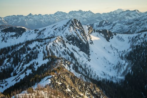 Read more about the article Battle Mountain + Snowshoe Ridge in Lake Chelan-Sawtooth / 戰役山