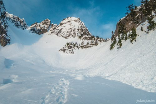 Read more about the article Chair Peak by Kaleetan Peak via Northeast Buttress + Ice Climb / 座椅峯
